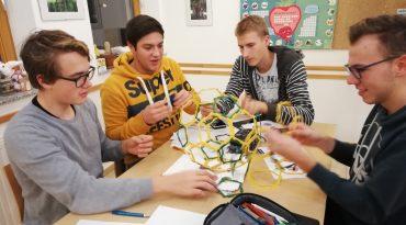 Prva gimnazija Maribor pripravljala dijake na matematična tekmovanja